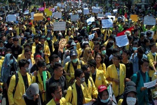 Unjuk rasa mahasiswa tolak UU KPK hasil revisi dan RUU KUHP Page 7 Small