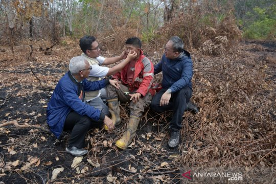 Ekspedisi Melawan Asap beri layanan kesehatan Satgas karhutla Riau