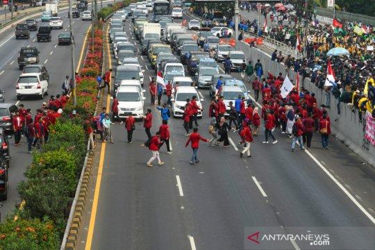 Jasa Marga pastikan tol dalam kota aman dilalui usai aksi mahasiswa