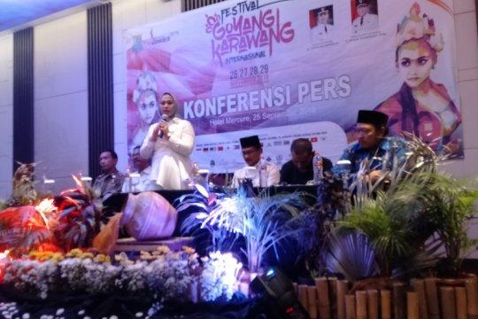 Para penari dari 15 negara meriahkan Festival Goyang Karawang