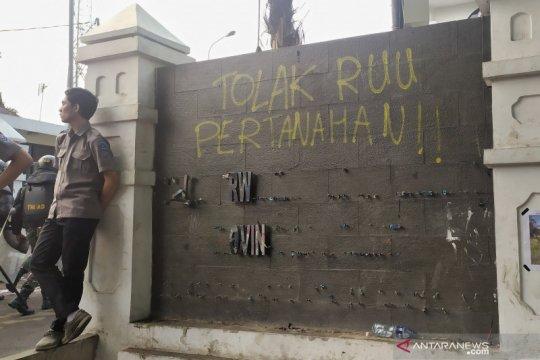 Demo Mahasiswa - Polisi amankan 68 orang pascaaksi di DPRD Jabar
