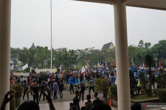 Ribuan mahasiswa Kalbar unjuk rasa tolak RUU KUHP dan KPK