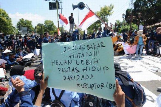 Unjuk rasa mahasiswa Klaten Page 1 Small