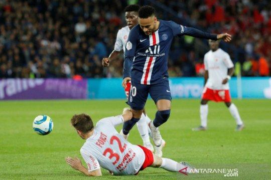 Neymar ternyata cuma moncer dua laga, PSG dipecundangi Reims 0-2