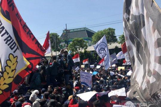 Gubernur Jatim imbau aksi mahasiswa santun