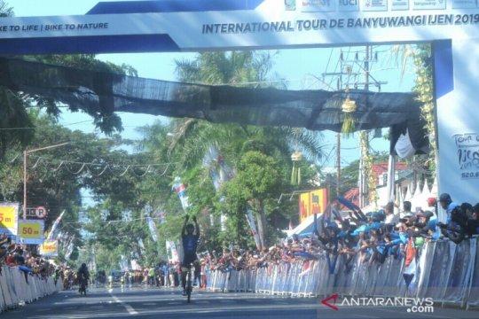 Aiman Cahyadi pebalap tercepat etape dua Tour de Banyuwangi Ijen