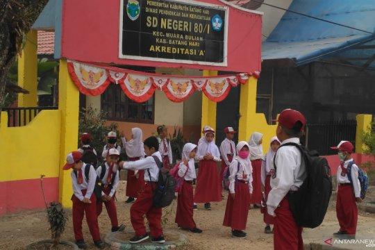 Kualitas udara membaik, sekolah di Jambi aktif kembali