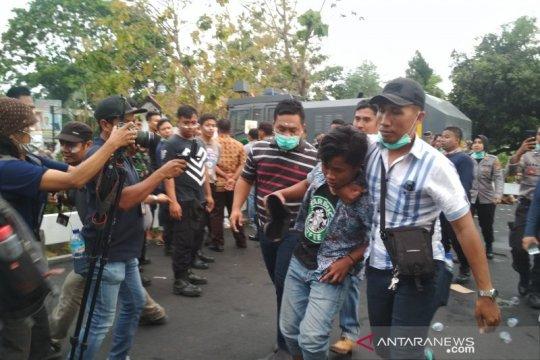 Empat terduga provokator diamankan Polisi saat demo mahasiswa NTB