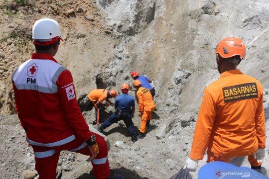 Pencarian korban gempa Ambon