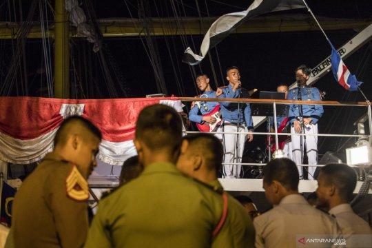 Taruna AAL hibur penonton pada malam kesenian di Malaysia