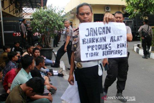 Gelar demo tanpa izin, Polresta Surakarta amankan puluhan pelajar