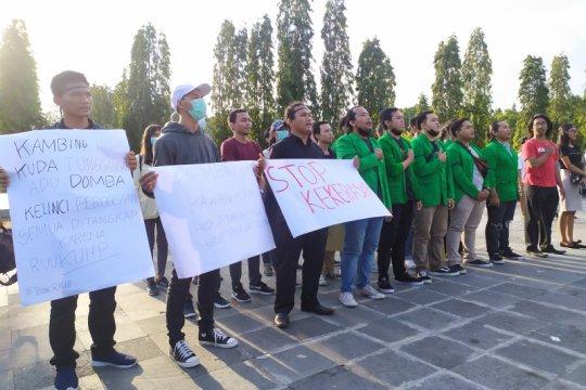 Forum Mahasiswa Bali adakan doa bersama untuk dua mahasiswa Kendari