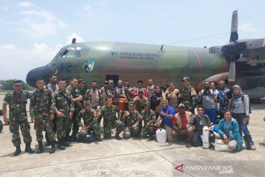 Papua terkini - Tim kesehatan gabungan TNI bantu masyarakat Wamena