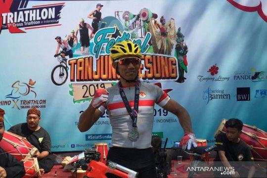 Zaenal Fanani juarai MTB XC Marathon Tanjung Lesung 2019