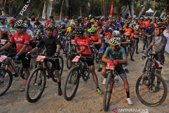 120 peserta ikuti kejuaraan MTB XC Marathon Tanjung Lesung 2019