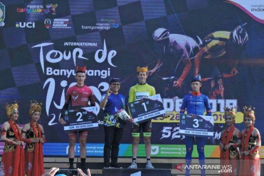 Robbie Hucker bikin kejutan dengan juarai Tour de Banyuwangi Ijen
