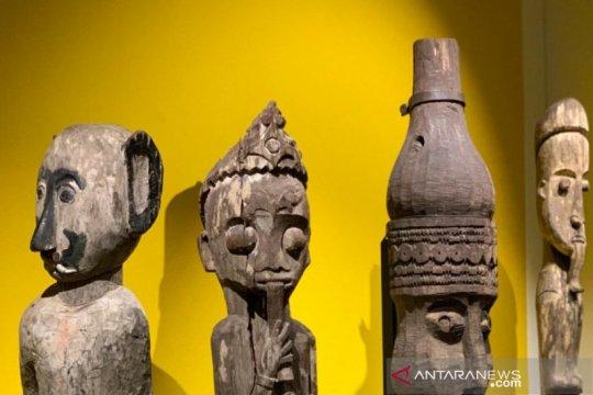 Ratusan artefak Dayak dipamerkan di Swiss