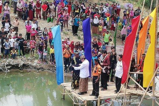 Larung Cai Di Raga, Hasto Kristiyanto ajak rawat sungai
