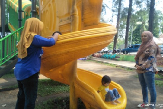 Pariaman sediakan taman bermain anak cegah ketergantungan HP