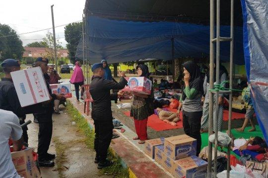 Polda Maluku beri bantuan pengungsi korban gempa di Pulau Ambon