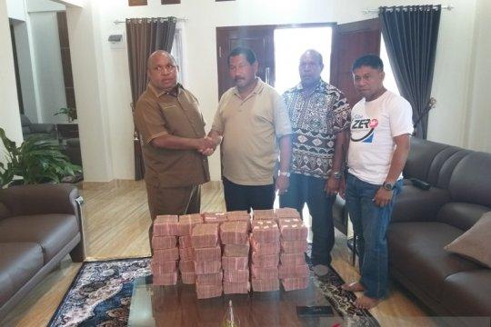 30 ton beras untuk korban kerusuhan disumbangkan Pemkab Lanny Jaya