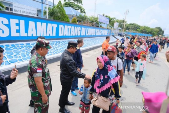 Papua Terkini- Wagub jemput pengungsi Sulsel di  Bandara Sentani