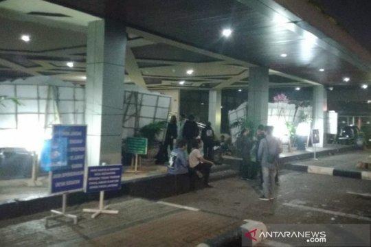 Unjuk rasa di DPRD Jateng berlangsung hingga malam, berakhir damai