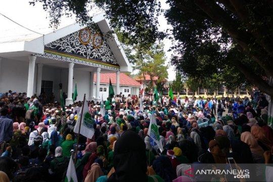 Aksi menolak UU KPK masih berlanjut di Aceh