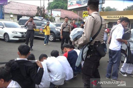 Polisi Sukabumi amankan puluhan pelajar hendak unjuk rasa ke Jakarta