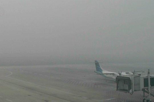 Kabut asap ganggu penerbangan di Bandara SMB II Palembang