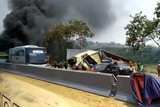 KNKT investigasi penyebab kecelakaan tol Cipularang