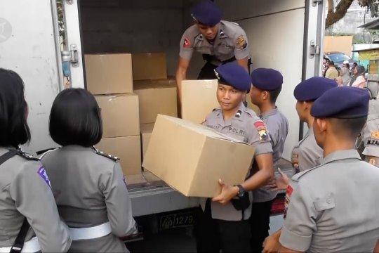 Polda Jateng sumbang warga terdampak ledakan gudang Brimob