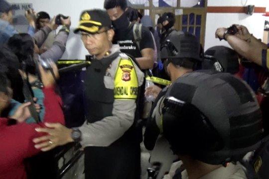 Densus 88 geledah kediaman terduga teroris di Cimahi