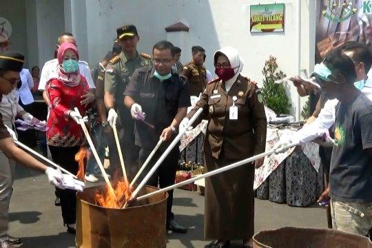 Kejari Sukabumi musnahkan upal senilai Rp2 miliar