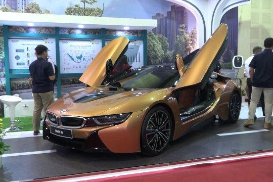 Pameran kendaraan listrik pertama di Indonesia