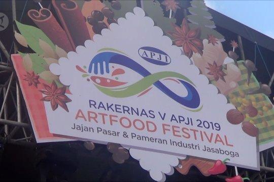 Mendongkrak jajanan dan kuliner Nusantara