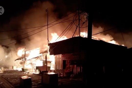 Ratusan rumah & kios terbakar di Asmat Papua