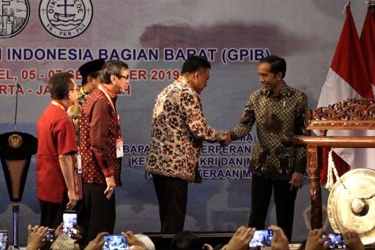 Jokowi: Keluarga penuh kasih sayang kunci Indonesia damai