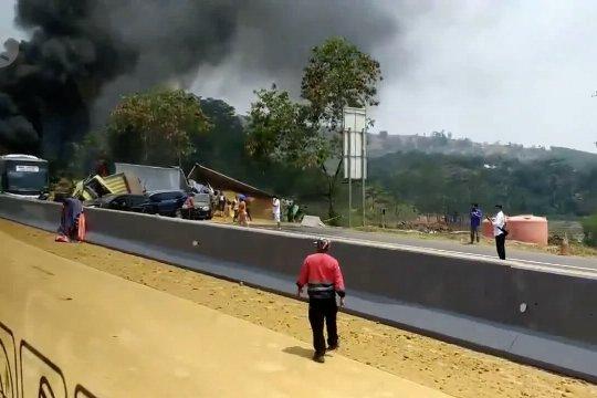Kapolda Jabar : pemicu kecelakaan beruntun berawal tergulingnya dump truck