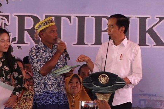 Presiden Jokowi bagikan 3000 sertifikat tanah di Pontianak