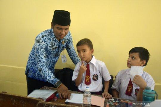 Anak pencari suaka mulai bersekolah
