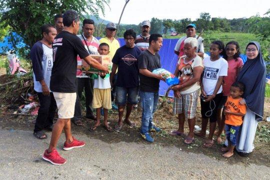 Mercy Barends bantu korban terdampak gempa Ambon