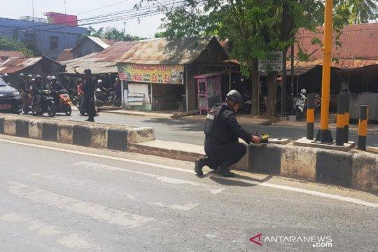 Tas diduga berisi bom di depan Markas Brimob gegerkan publik
