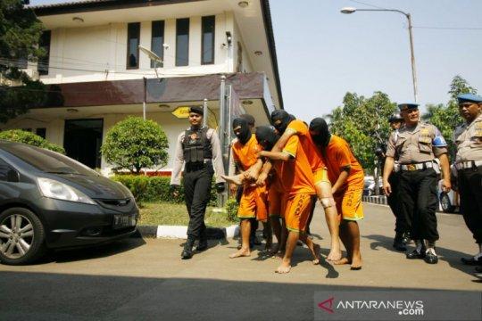 Polres Bogor tangkap tersangka pembacok anggotanya di Garut