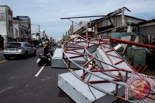 Jembatan di Taiwan runtuh, tujuh WNI jadi korban