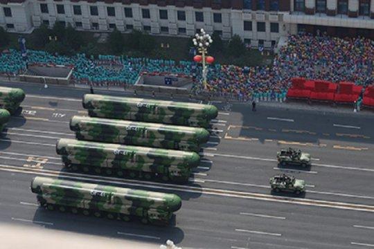 China pamerkan rudal antarbenua mutakhirnya di Parade Hari Nasional