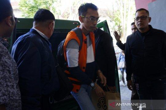 Jaksa KPK limpahkan penahanan tersangka suap Imigrasi ke Lapas Mataram