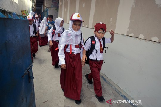 81 anak pencari suaka mulai bersekolah di SD negeri Pekanbaru
