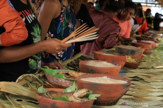 Festival Helay Mbay Hote Mbay, pesta makan pepeda di Sentani