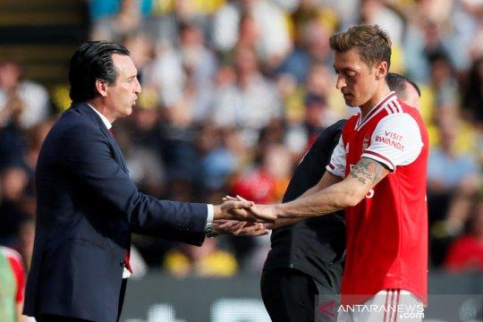 Arsenal akan pinjamkan Mesut Ozil di bursa transfer Januari
